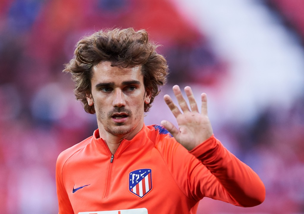 BILBAO, SPAIN - MARCH 16: Antoine Griezmann of Atletico Madrid warms up during the La Liga match between Athletic Club and Club Atletico de Madrid at San Mames Stadium on March 16, 2019 in Bilbao, Spain. (Photo by Juan Manuel Serrano Arce/Getty Images)