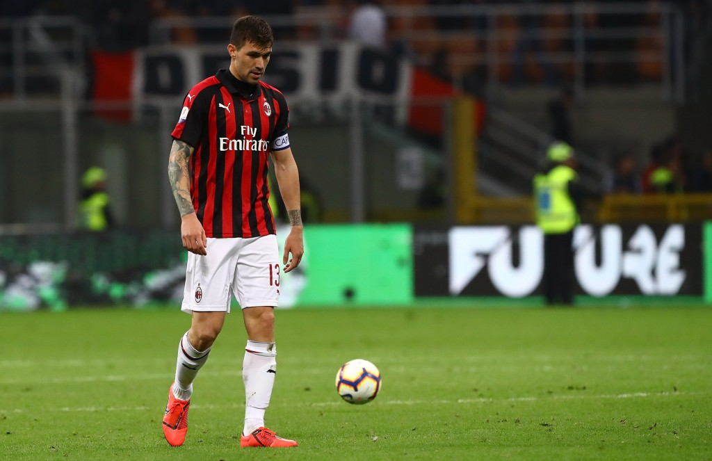 MILAN, ITALY - APRIL 24: Alessio Romagnoli of AC Milan shows his dejection at the end of the TIM Cup match between AC Milan and SS Lazio at Stadio Giuseppe Meazza on April 24, 2019 in Milan, Italy. (Photo by Marco Luzzani/Getty Images)