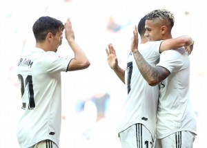 Real Madrid 3-2 Villarreal: Zidane's men return to winning ways with Mariano on the double [Tweets]