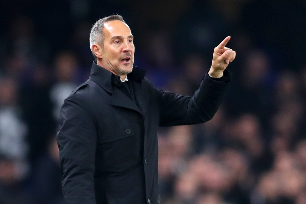 LONDON, ENGLAND - MAY 09: Adi Huetter, Manager of Eintracht Frankfurt gives his team instructions during the UEFA Europa League Semi Final Second Leg match between Chelsea and Eintracht Frankfurt at Stamford Bridge on May 09, 2019 in London, England. (Photo by Catherine Ivill/Getty Images)