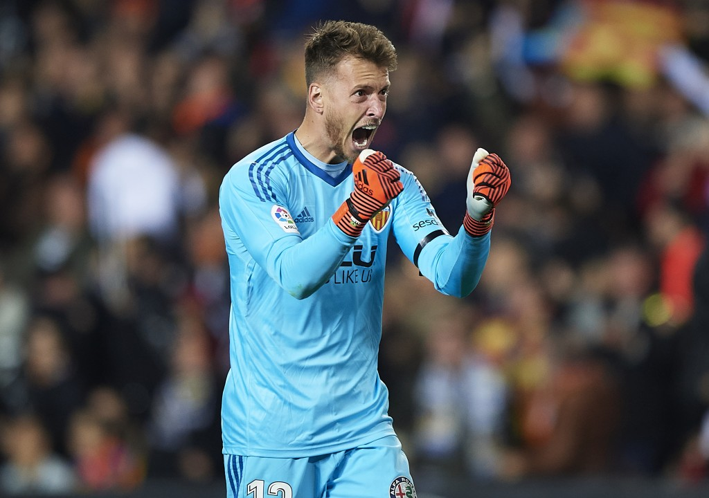Neto is enjoying his life and football at Valencia. (Picture Courtesy - AFP/Getty Images)