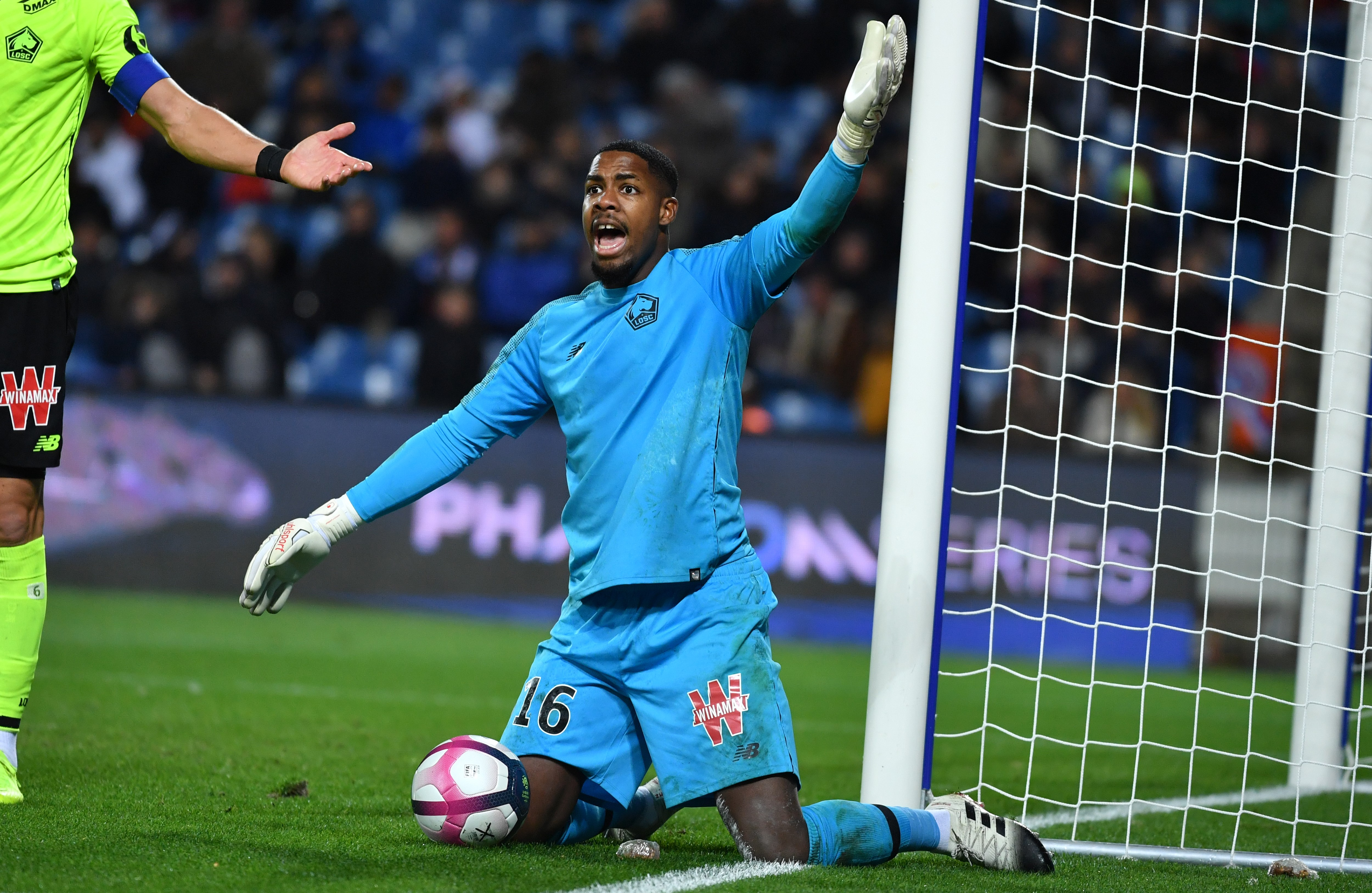 Mike Maignan has the world at his feet after a terrific season with Lille. (Photo courtesy: AFP/Getty)