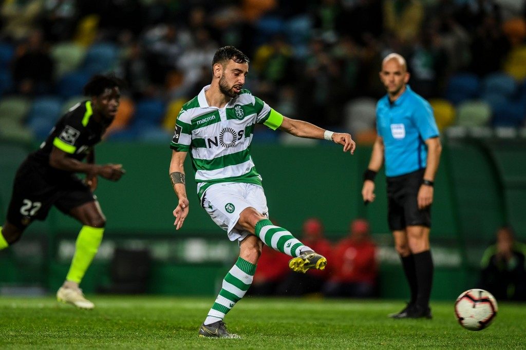 Liverpool make €45m bid for Bruno Fernandes