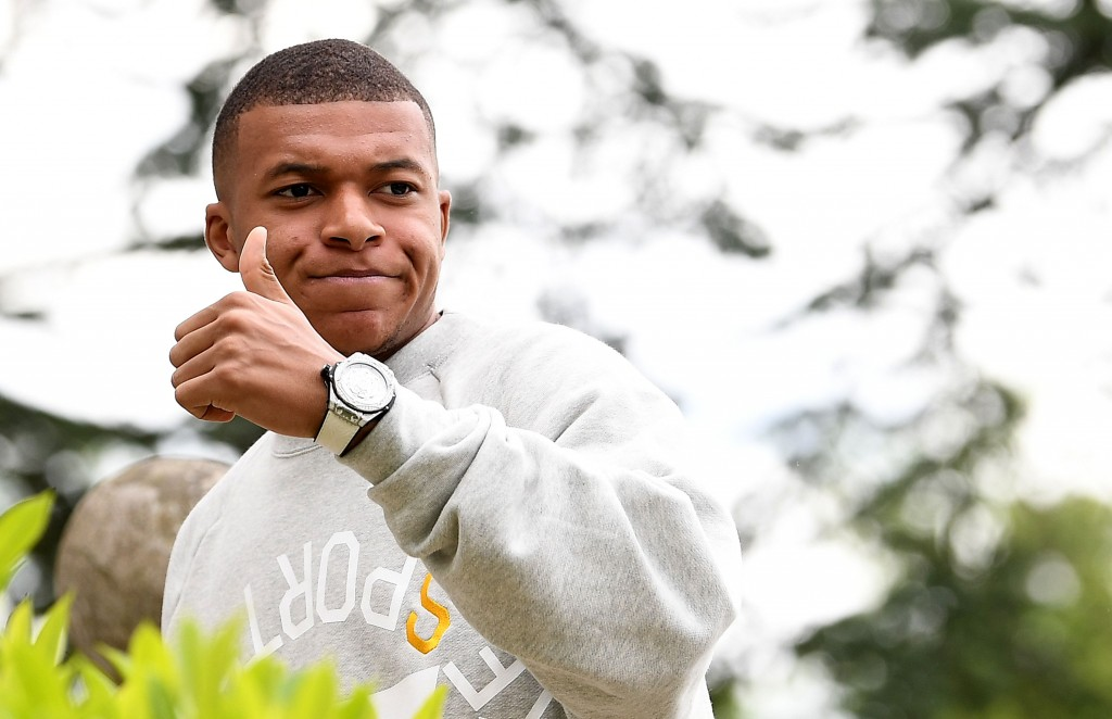 Real Madrid or Liverpool - Who will get the much sought thumbs up from Mbappe? (Photo by Franck Fife/AFP/Getty Images)