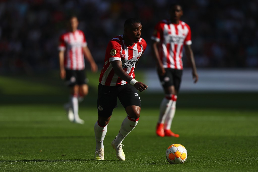 Manchester United target Steven Bergwijn wants Bayern Munich move. (Photo by Dean Mouhtaropoulos/Getty Images)