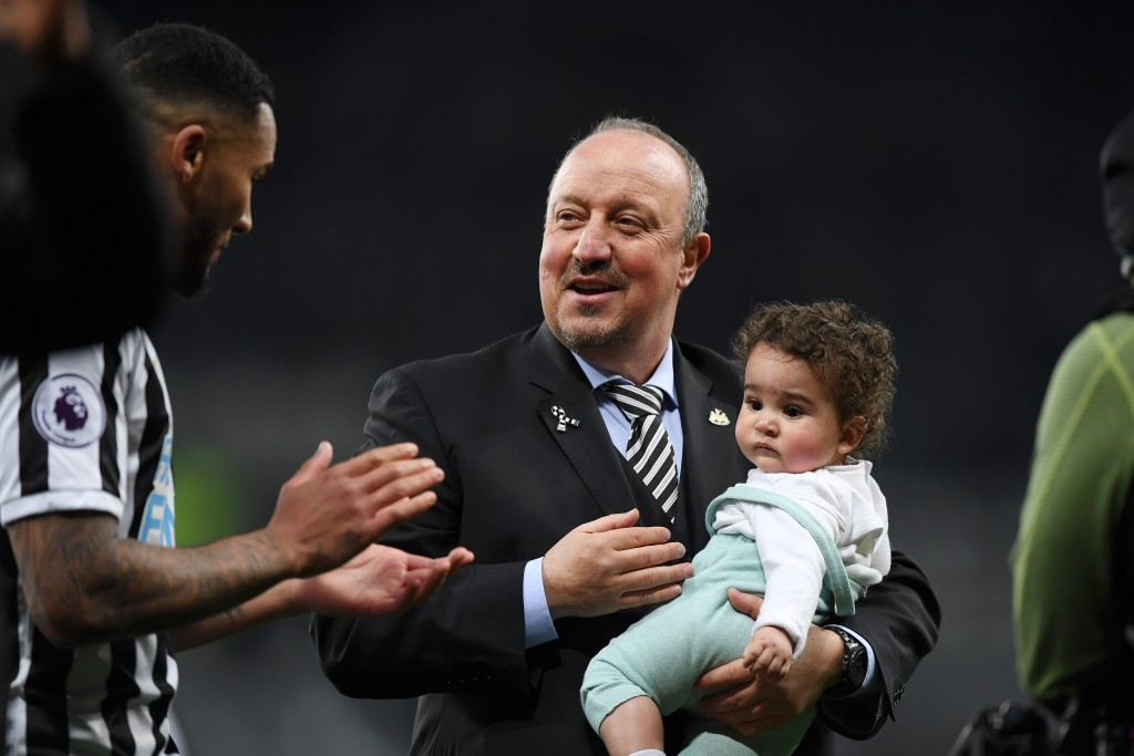 Rafa Benitez had reportedly convinced Jamaal Lascelles to stay another season in 2018. With him gone, will Lascelles look to follow suit? (Picture Courtesy - AFP/Getty Images)
