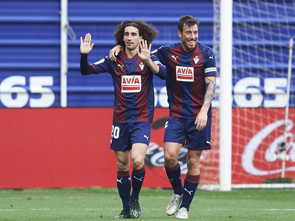 Cucrella (L) set to leave Barcelona days after return (Photo by Juan Manuel Serrano Arce/Getty Images)