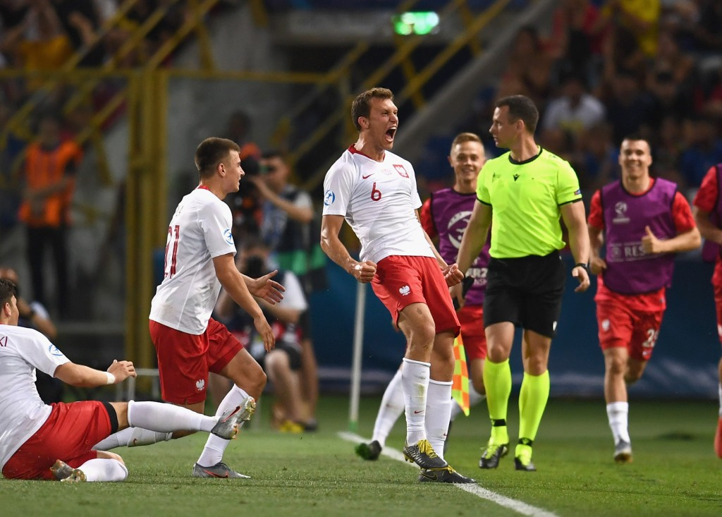 Krystian Bielik is closing in on his return from injury. (Photo by Claudio Villa/Getty Images)