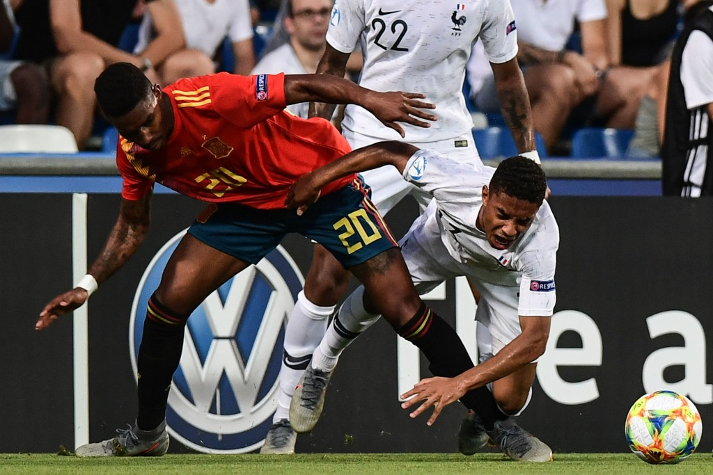 The future of Junior Firpo (L) hangs in the balance. (Photo by Migues Medina/AFP/Getty Images)