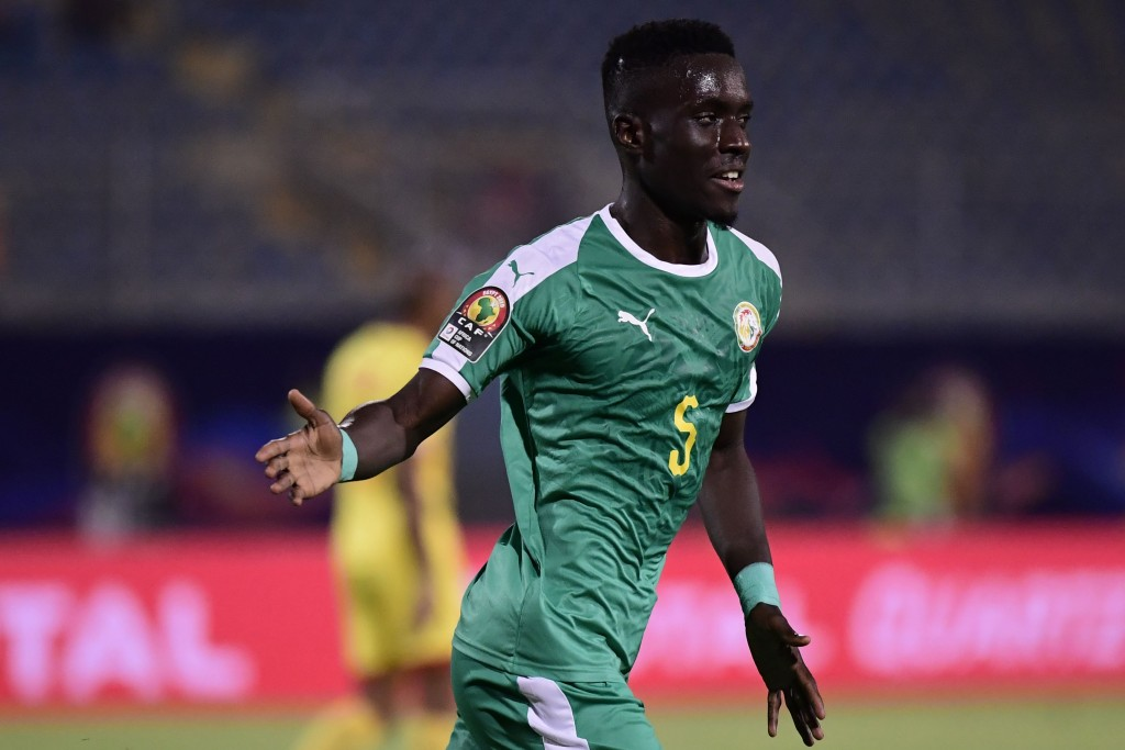 Gueye is 'Gana' say goodbye to Everton. (Photo by Javier Soriano/AFP/Getty Images)