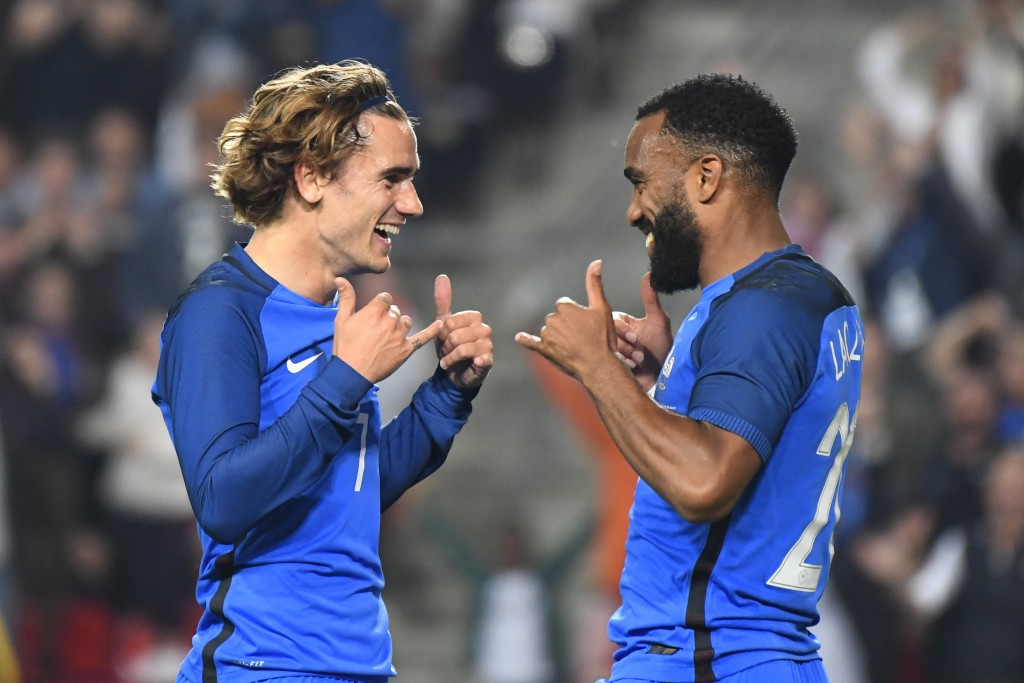 Atletico want Lacazette to replace Griezmann (Photo by DAMIEN MEYER/AFP/Getty Images)