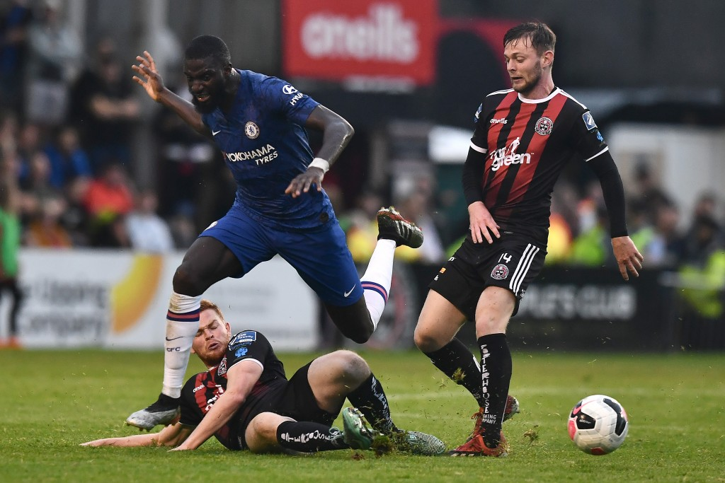 Bakayoko (L) seems to have no future with Chelsea. (Photo by Charles McQuillan/Getty Images)