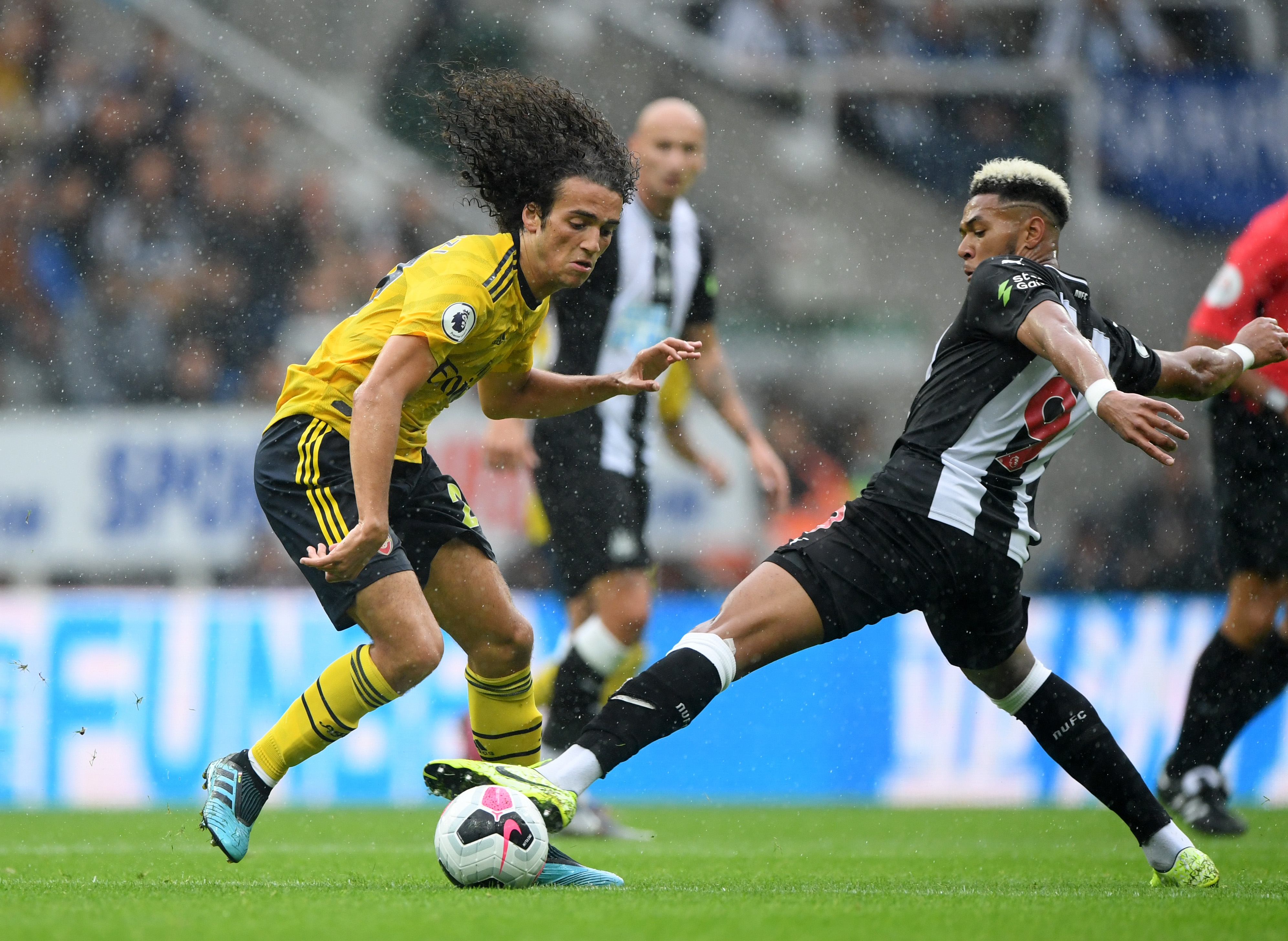 A long-term futur at the Emirates beckons for Guendouzi? (Photo courtesy: AFP/Getty)