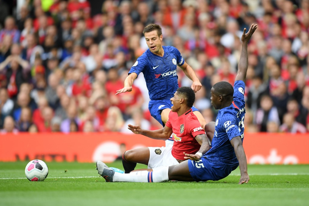 Chelsea ace Cesar Azpilicueta sends message to stars after Man Utd defeat