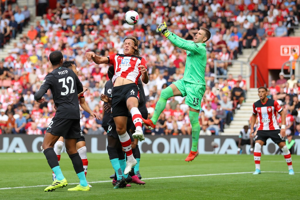 Adrian's blunder allowed Southampton a way back in the game (Photo by Warren Little/Getty Images)