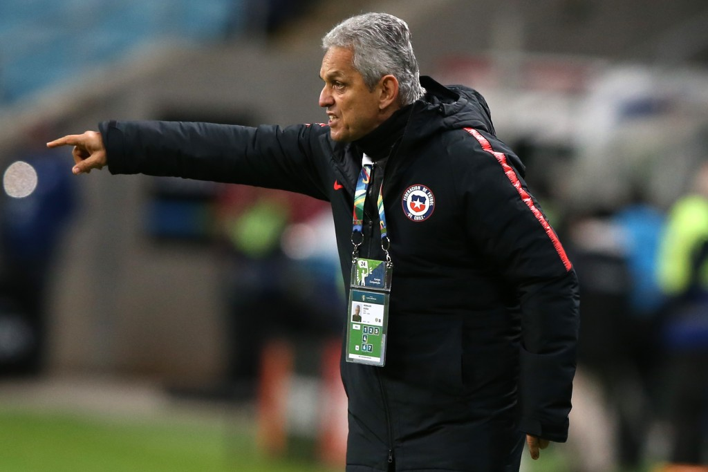 PORTO ALEGRE, BRAZIL - JULY 03: Reinaldo Rueda head coach of Chile gestures during the Copa America Brazil 2019 Semi Final match between Chile and Peru at Arena do Gremio on July 03, 2019 in Porto Alegre, Brazil. (Photo by Alexandre Schneider/Getty Images)