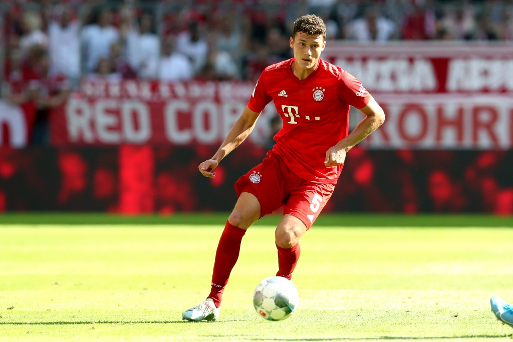 MUNICH, GERMANY - AUGUST 31: Benjamin Pavard of FC Bayern Muenchen runs with the ball during the Bundesliga match between FC Bayern Muenchen and 1. FSV Mainz 05 at Allianz Arena on August 31, 2019 in Munich, Germany. (Photo by Alexander Hassenstein/Bongarts/Getty Images)