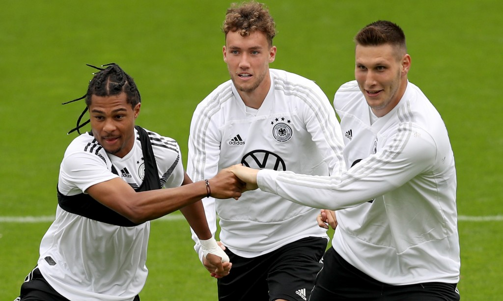 Luca Waldschmidt (C) has earned his first call-up for Germany (Photo by Maja Hitij/Bongarts/Getty Images)