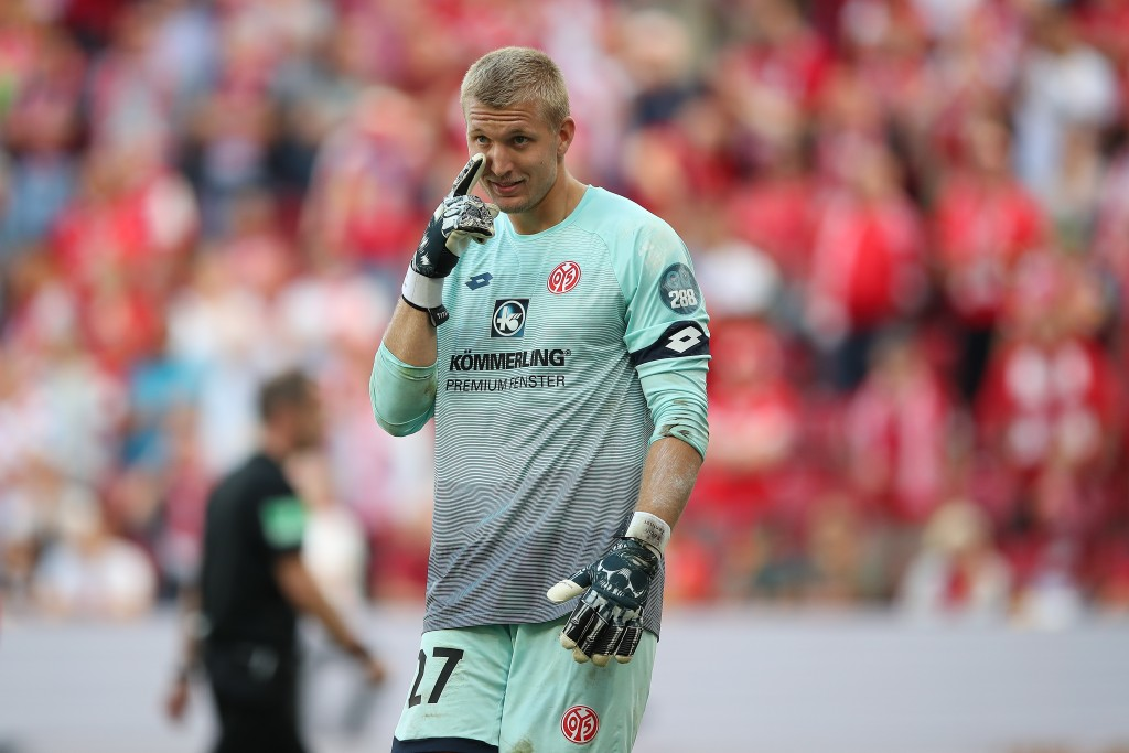 Robin Zentner is the only Mainz player out on the sidelines ahead of the tie against RB Leipzig. (Photo by Christian Kaspar-Bartke/Bongarts/Getty Images)
