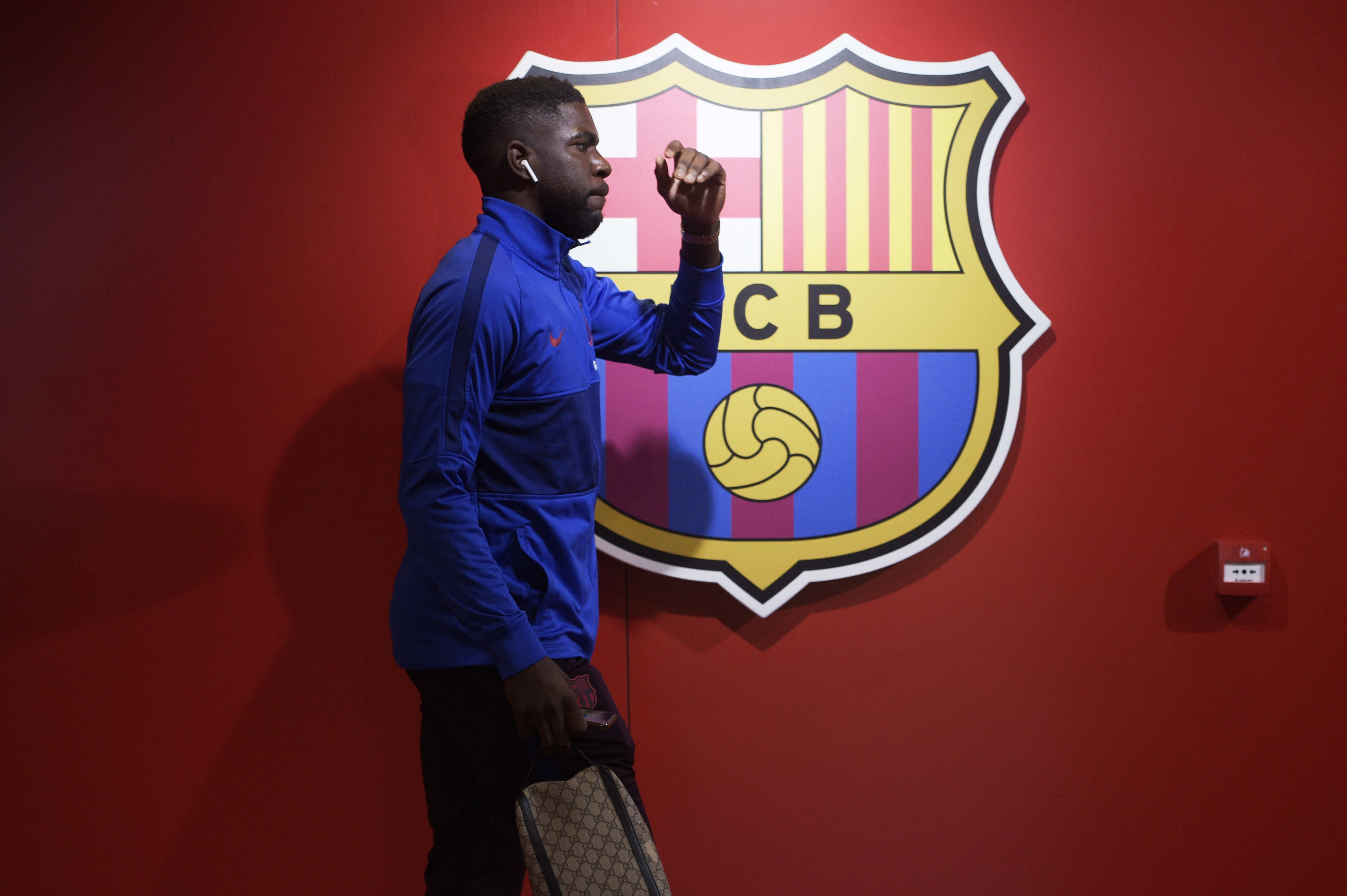 On his way out (Photo by Juan Manuel Serrano Arce/Getty Images)