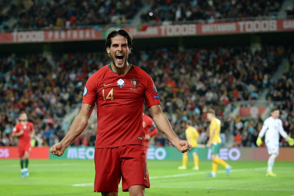 FARO, PORTUGAL - NOVEMBER 14: Goncalo Paciencia of Portugal celebrates after scores the fourth goal against Lithuania during the UEFA Euro 2020 Qualifier match between Portugal and Lithuania at Algarve Stadium on November 14, 2019 in Faro, Portugal. (Photo by Octavio Passos/Getty Images)