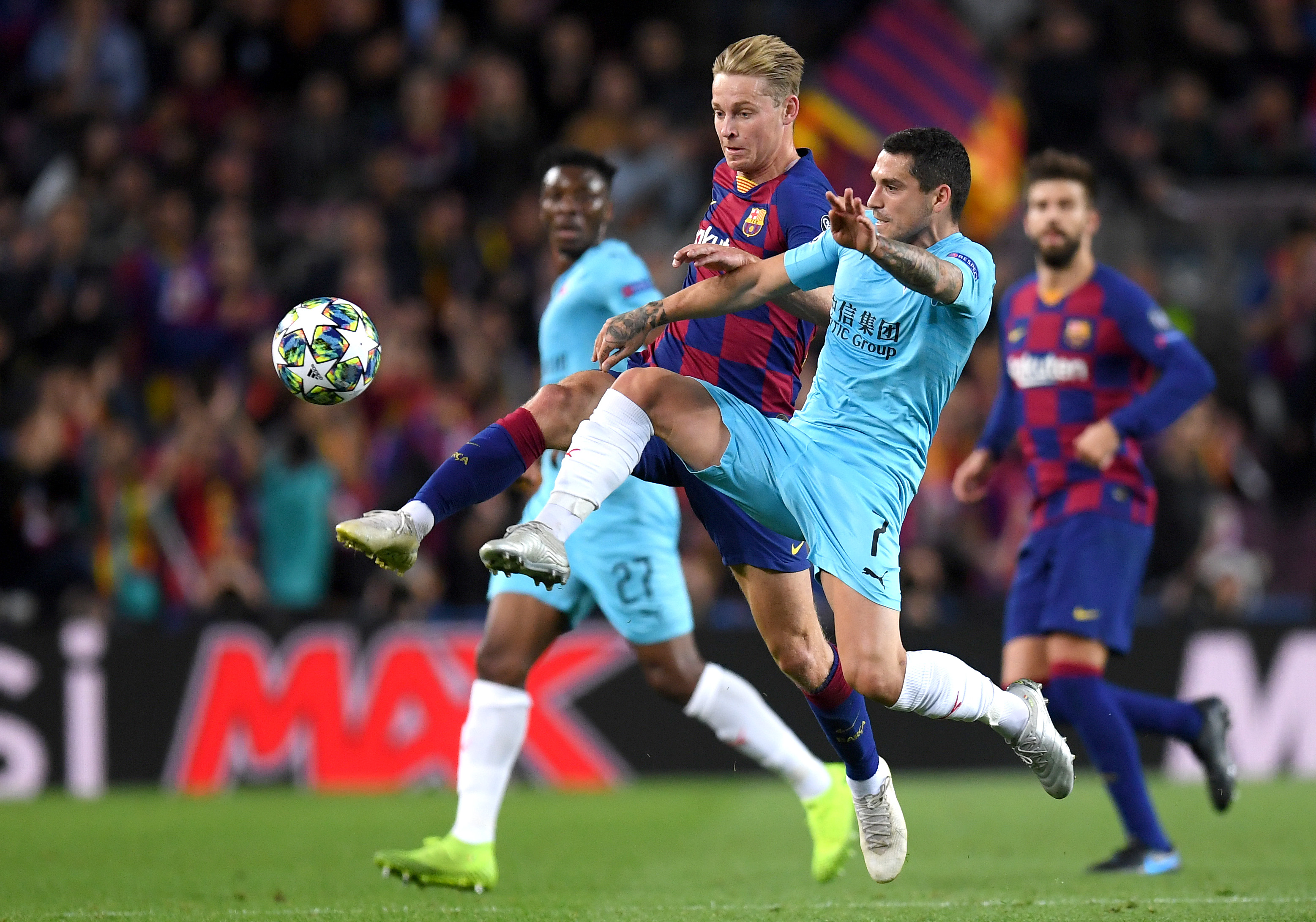 No lack of effort on the night from Frenkie de Jong (Photo by Alex Caparros/Getty Images)