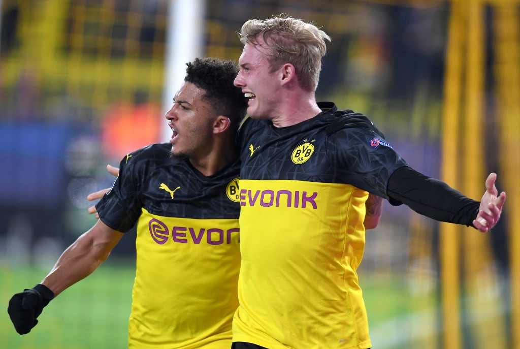 DORTMUND, GERMANY - NOVEMBER 05: Julian Brandt of Borussia Dortmund celebrates after scoring his team's second goal with teammate Jadon Sancho during the UEFA Champions League group F match between Borussia Dortmund and Inter at Signal Iduna Park on November 05, 2019 in Dortmund, Germany. (Photo by Jörg Schüler/Getty Images)