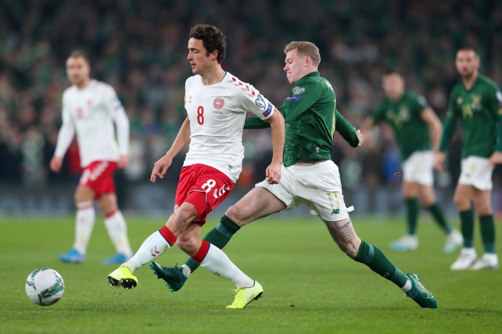 DUBLIN, IRELAND - NOVEMBER 18: Thomas Delaney of Denmark battles for possession with James McClean of Republic of Ireland during the UEFA Euro 2020 qualifier between Republic of Ireland and Denmark at Dublin Arena on November 18, 2019 in Dublin, . (Photo by Catherine Ivill/Getty Images)