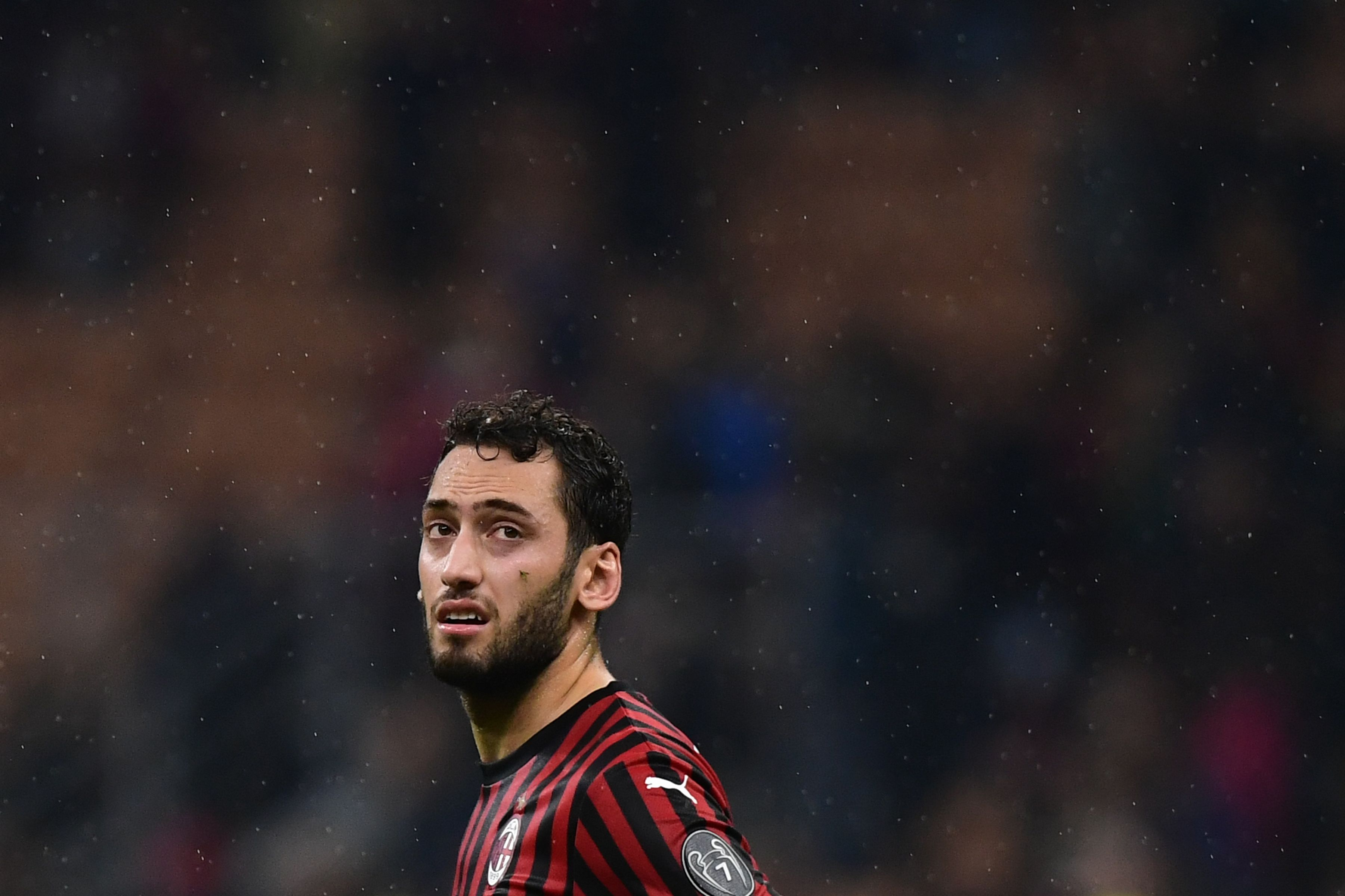 Atletico Madrid and Manchester United battling for Hakan Calhanoglu (Photo by Miguel Medina/AFP via Getty Images)