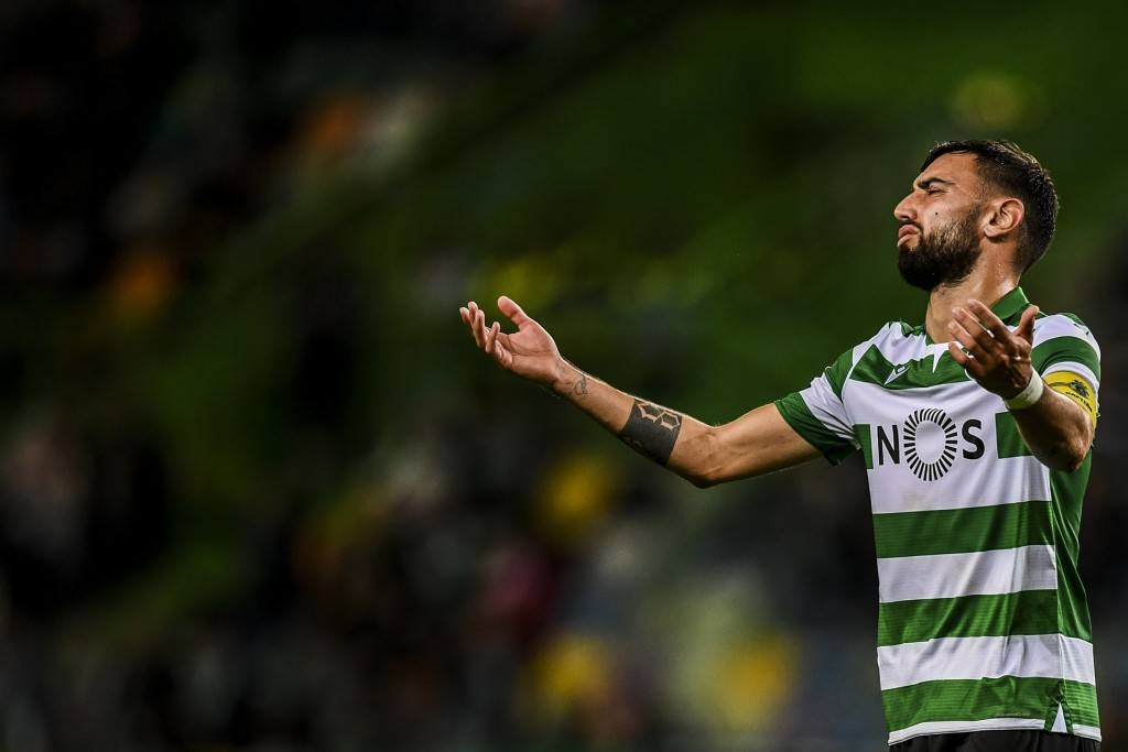 Sporting's Portuguese midfielder Bruno Fernandes gestures during the Portuguese League football match between SL Sporting CP vs Belenenses SAD at Alvalade stadium in Lisbon on November 10, 2019. (Photo by PATRICIA DE MELO MOREIRA / AFP) (Photo by PATRICIA DE MELO MOREIRA/AFP via Getty Images)