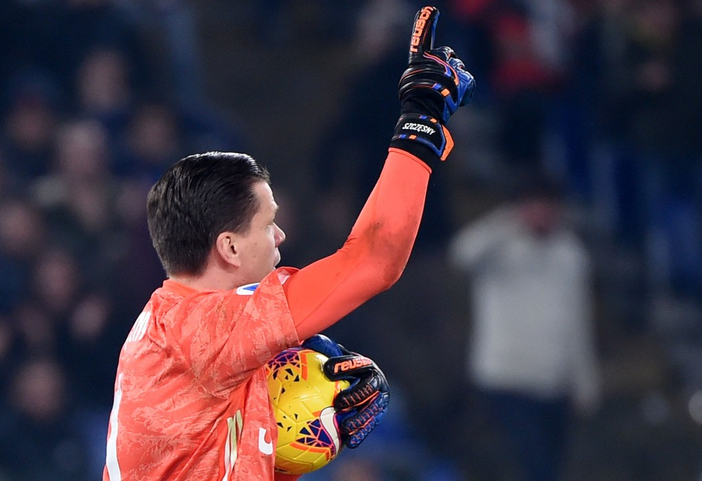 Juventus' Polish goalkeeper Wojciech Szczesny reacts after saving a penalty during the Italian Serie A football match lazio Rome vs Juventus Turin on December 7, 2019 at the Olympic stadium in Rome. (Photo by Filippo MONTEFORTE / AFP) (Photo by FILIPPO MONTEFORTE/AFP via Getty Images)