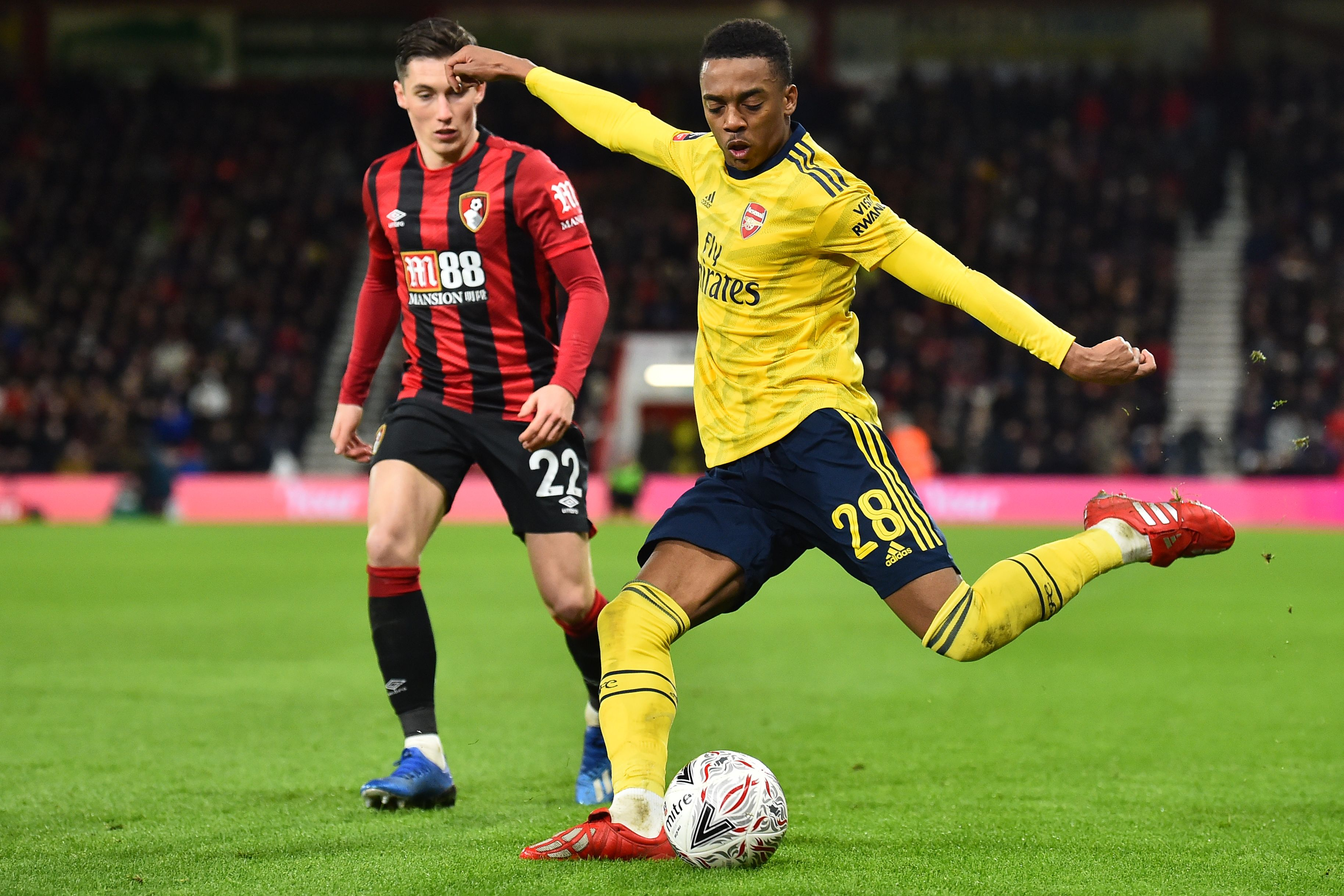 Willock to return to Newcastle? (Photo by GLYN KIRK/AFP via Getty Images)