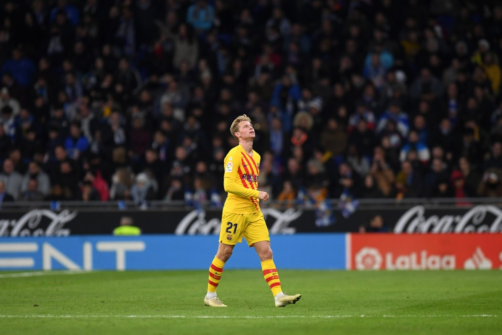 Frenkie de Jong remains unavailable for Barcelona. (Photo by Alex Caparros/Getty Images)