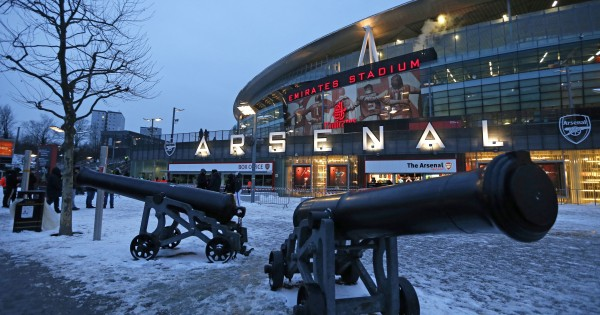 The snow-covered area outside the Emirates Stadium is pictured prior to kick off in the English Premier League football match between Arsenal and Manchester City at the Emirates Stadium in London on March 1, 2018.  / AFP PHOTO / IKIMAGES / Ian KINGTON / RESTRICTED TO EDITORIAL USE. No use with unauthorized audio, video, data, fixture lists, club/league logos or 'live' services. Online in-match use limited to 45 images, no video emulation. No use in betting, games or single club/league/player publications.  /         (Photo credit should read IAN KINGTON/AFP via Getty Images)