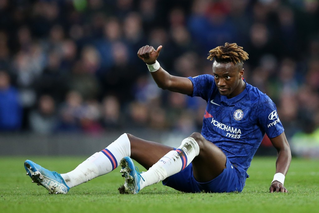 Will Tammy Abraham gives his thumbs to a move to Arsenal? (Photo by Steve Bardens/Getty Images)