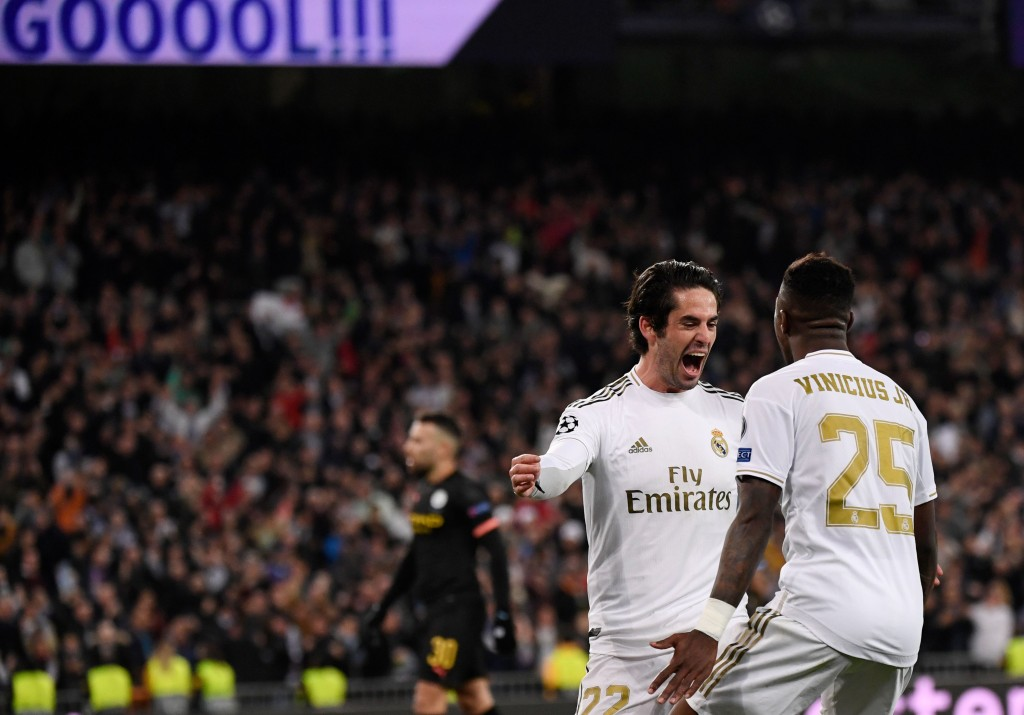 Vinicius Jr. provided the assist for Isco's goal. (Photo by Pierre-Philippe Marcou/AFP via Getty Images)