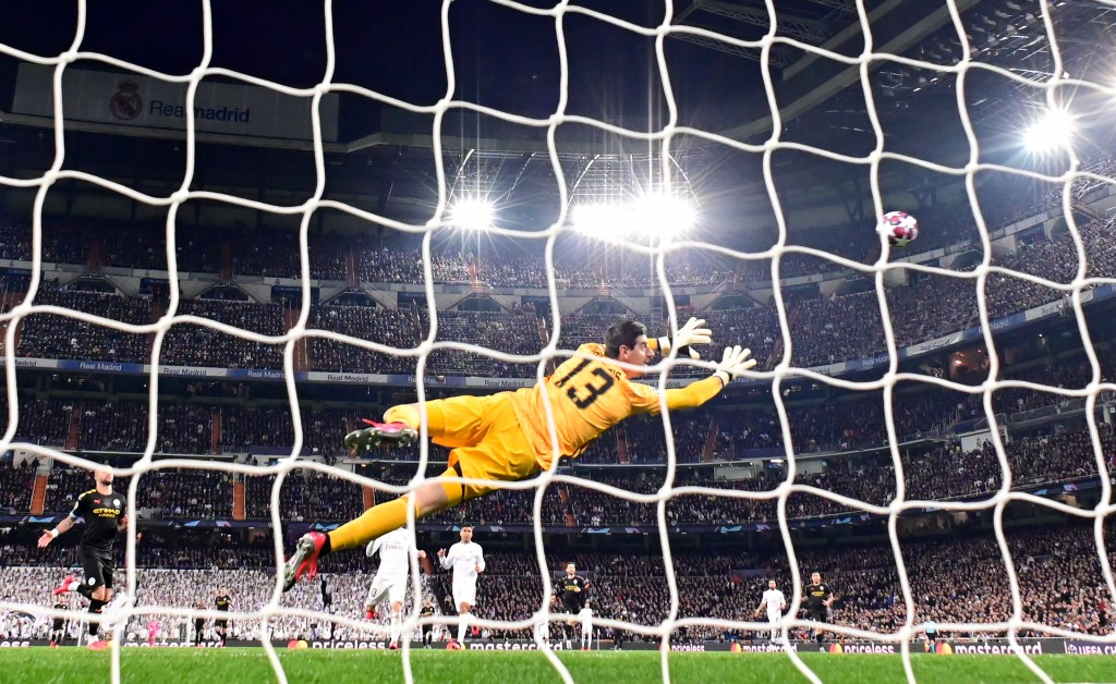 Courtois did all he could in the Real Madrid goal. (Photo by Javier Soriano/AFP via Getty Images)