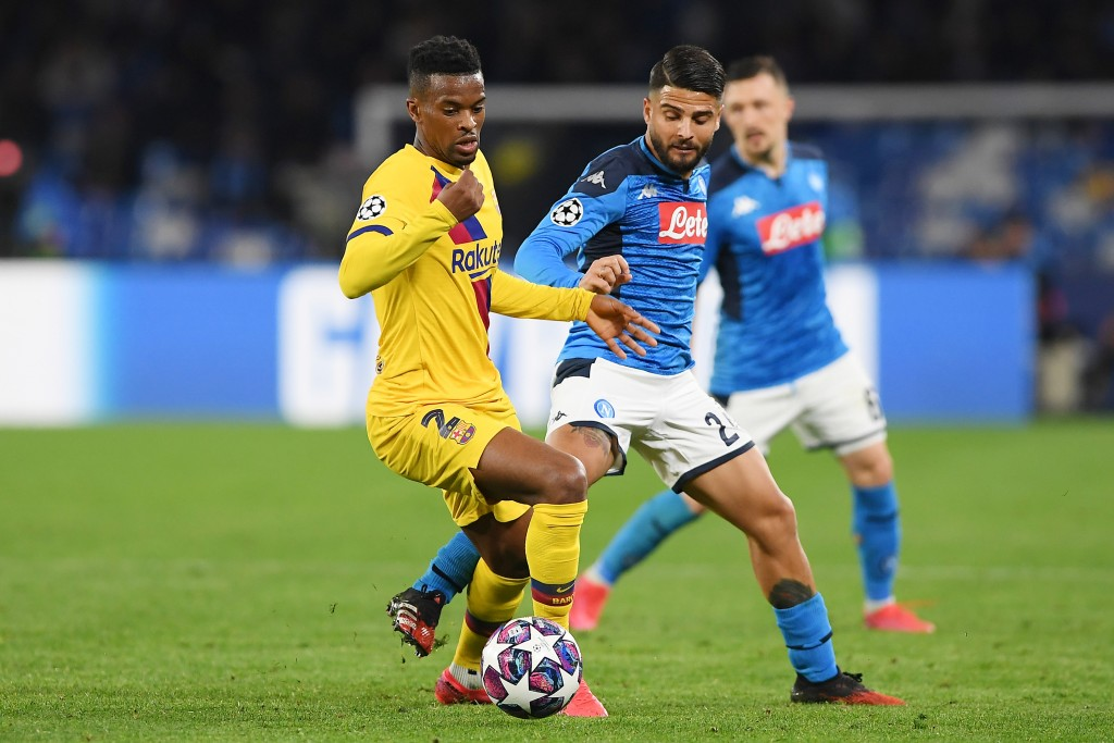 NAPLES, ITALY - FEBRUARY 25: Nelson Semedo of FC Barcelona vies with Lorenzo Insigne of SSC Napoli during the UEFA Champions League round of 16 first leg match between SSC Napoli and FC Barcelona at Stadio San Paolo on February 25, 2020 in Naples, Italy. (Photo by Francesco Pecoraro/Getty Images)