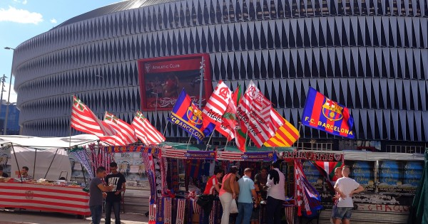 BILBAO, SPAIN - AUGUST 23:  Athletic Club fans gather outside San Mames stadium ahead of the La Liga match between Athletic Club and FC Barcelona at San Mames Stadium on August 23, 2015 in Bilbao, Spain.  (Photo by Denis Doyle/Getty Images)